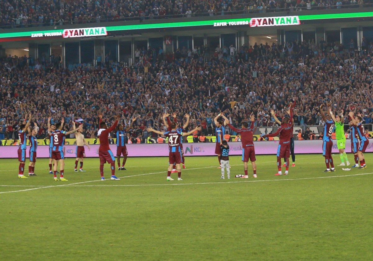 """""""Sevgi neydi?Sevgi emekti.""""Bize duyduğunuz sevgiye layık olmak için her gün daha fazla çalışacağız. Ve en güzel zaferleri hep beraber kutlayacağız!Teşekkürler Büyük Trabzonspor Ailesi!"""
