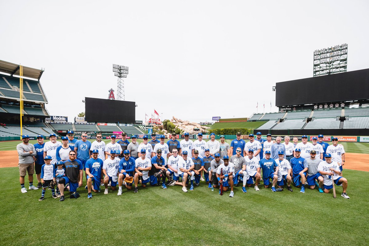 The pops got in their cuts early today for our annual Dads' Trip.#AlwaysRoyal