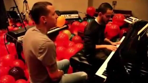 #HappyBirthdayNewDivide A look into @mikeshinoda and @ChesterBe writing the song together in the studio.