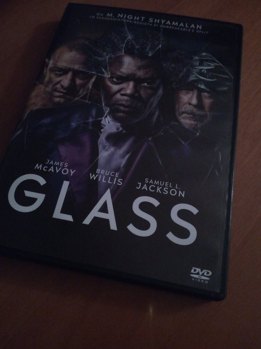&quot;Belief in oneself is contagious&quot; Mr. Glass  @GlassMovie @MNightShyamalan @SamuelLJackson @anyataylorjoy #GlassMovie <br>http://pic.twitter.com/bXmRN6HYdI