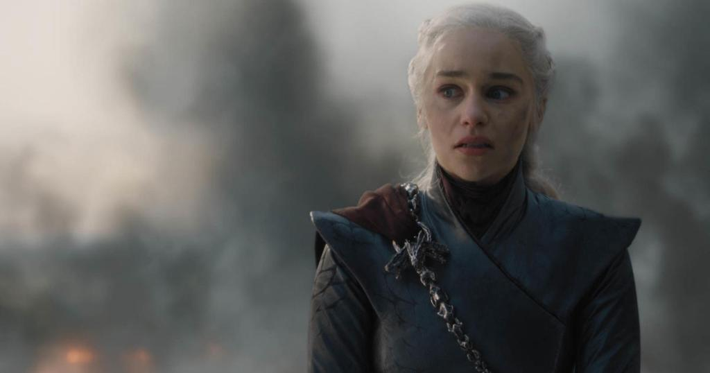 """Over 1 million angry """"Game of Thrones"""" fans petition to remake season 8 https://cbsn.ws/2JP4MyX"""
