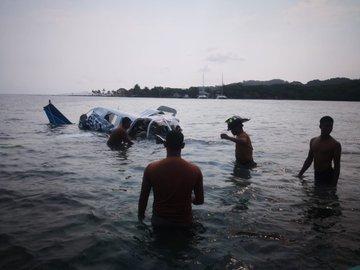 Accidentes de Aeronaves (Civiles) Noticias,comentarios,fotos,videos.  - Página 16 D64TKJmX4AYV0Jy?format=jpg&name=360x360