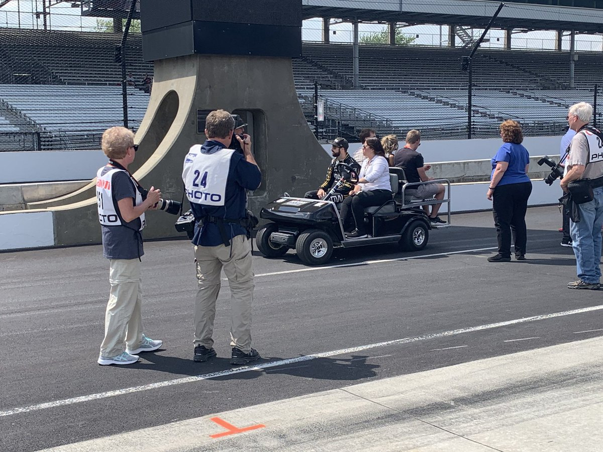 Another tough night of sleep is ahead for @SPMIndyCar & @Hinchtown The back-up No. 5 car is headed for The Shootout Sunday for final 3 #Indy500 spots @WISH_TV