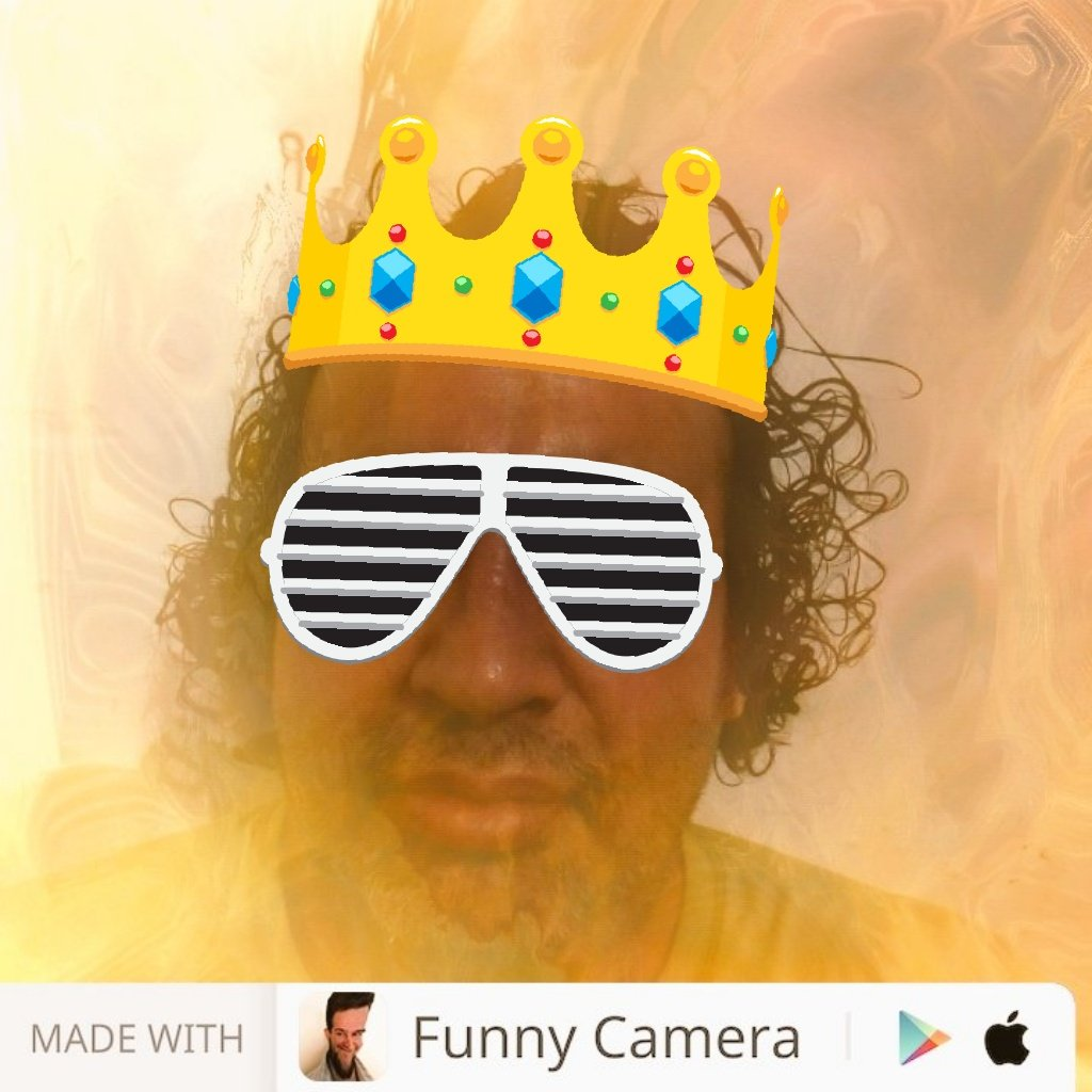 Hi. The king Made with Funny Camera by @peaksel: http://hyperurl.co/FunnyCamera  #funnycamera #funnypictures #crazypic #funnypicspic.twitter.com/Pfb4SQpsP3