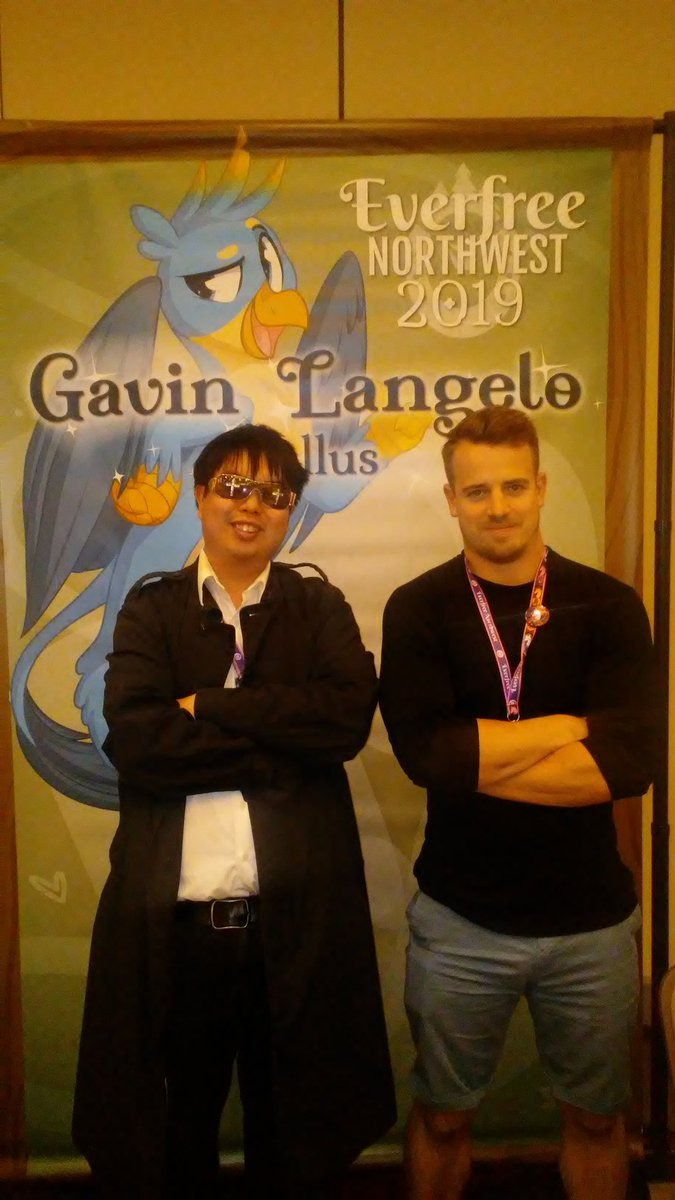 Day 2 @EverfreeNW with the one & only @GavinLangelo! It was awesome to meet you Gavin! #EverfreeNW2019 #EFNW2019 #MyLittlePony #Gallus
