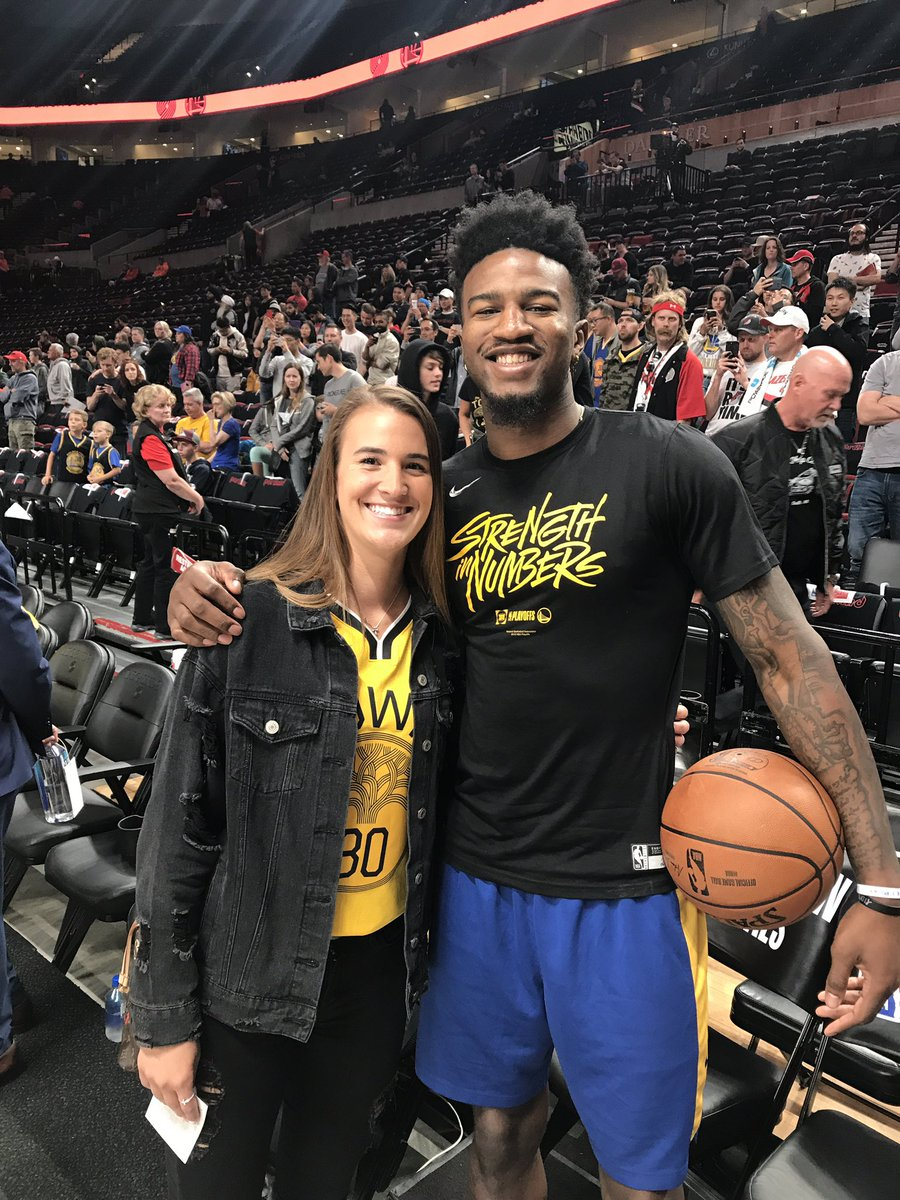 A couple final fours right here. #GoDucks @sabrina_i20 @1jordanbell
