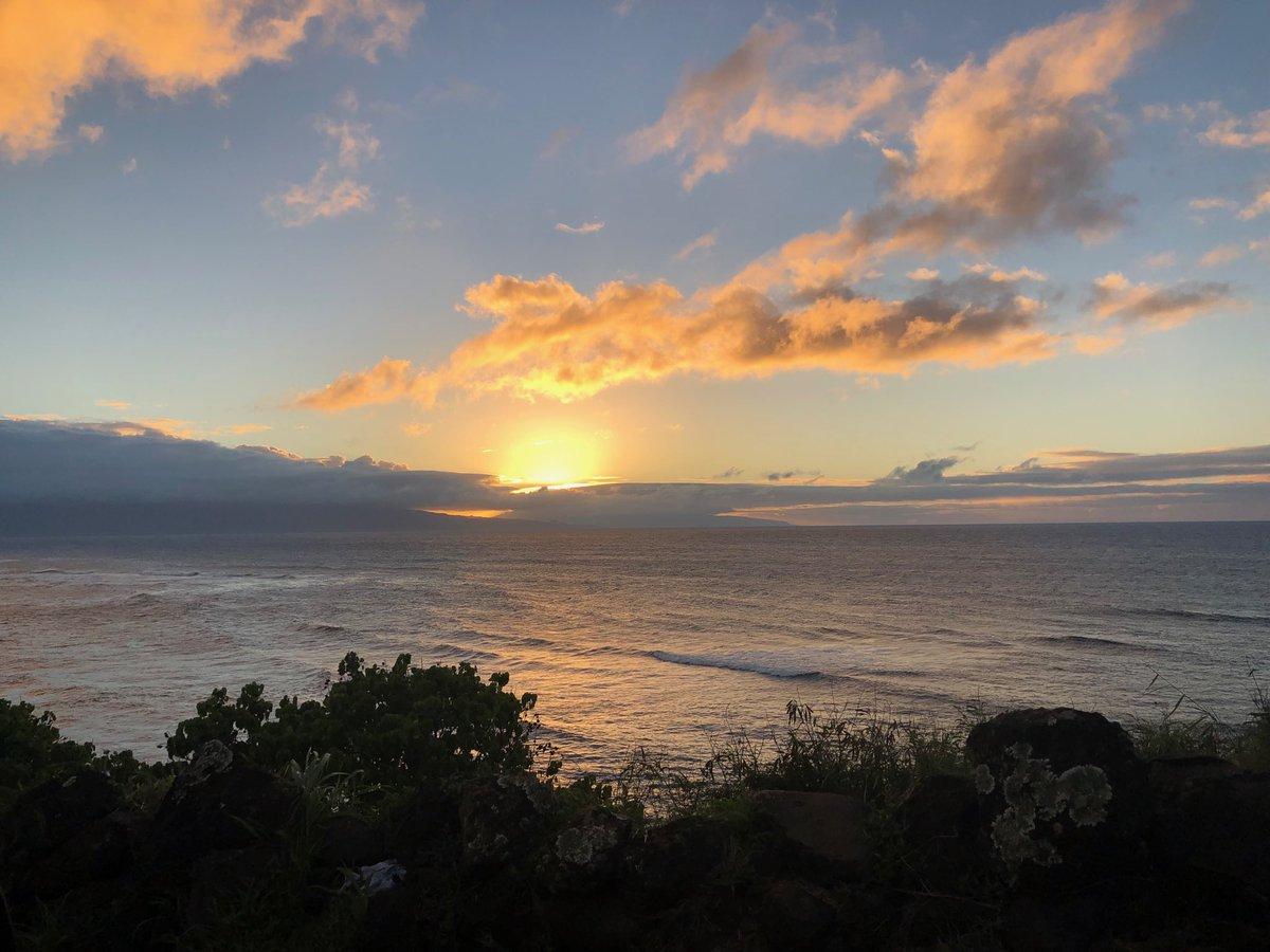 test Twitter Media - North shore cooling at sunset. #cmweather #Maui #hookipa https://t.co/cBpW5Py6Yo
