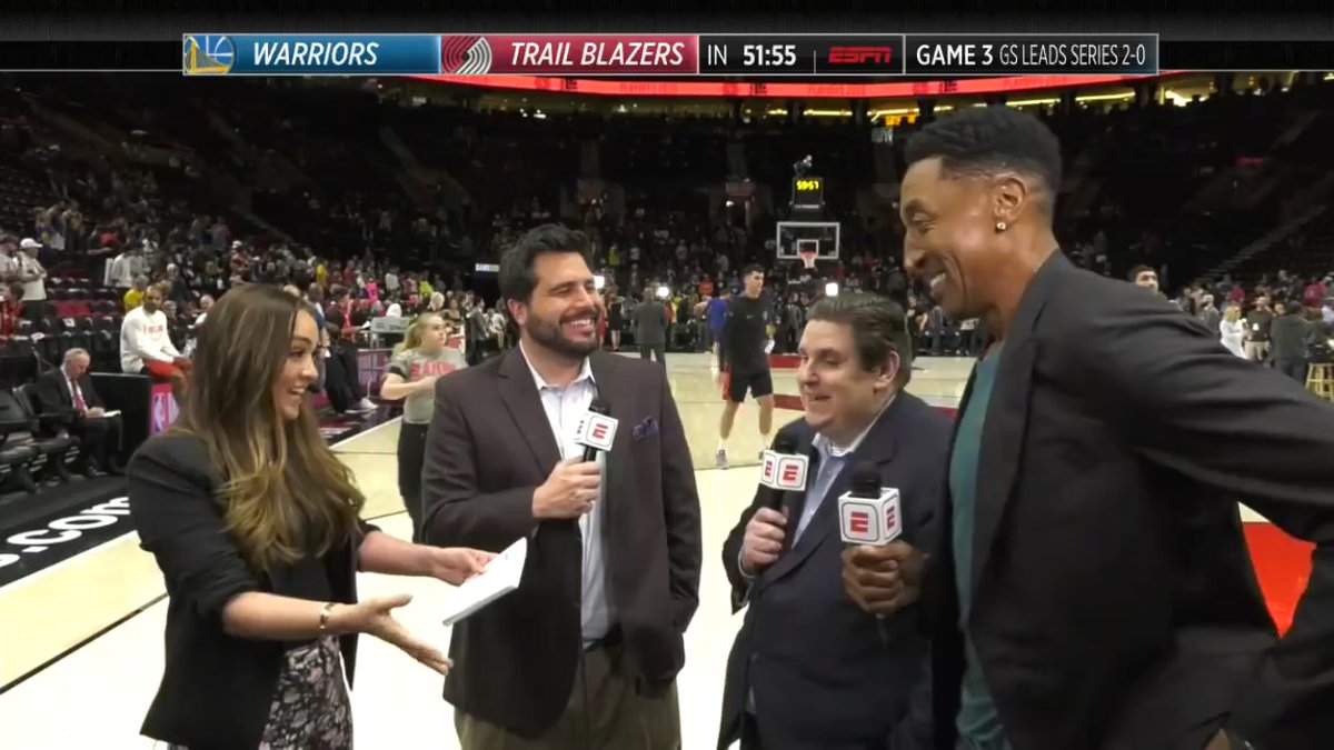 #HoopStreams with @CassidyHubbarth, @NickFriedell and @WindhorstESPN. Portland is ready for Game 3! #RipCity