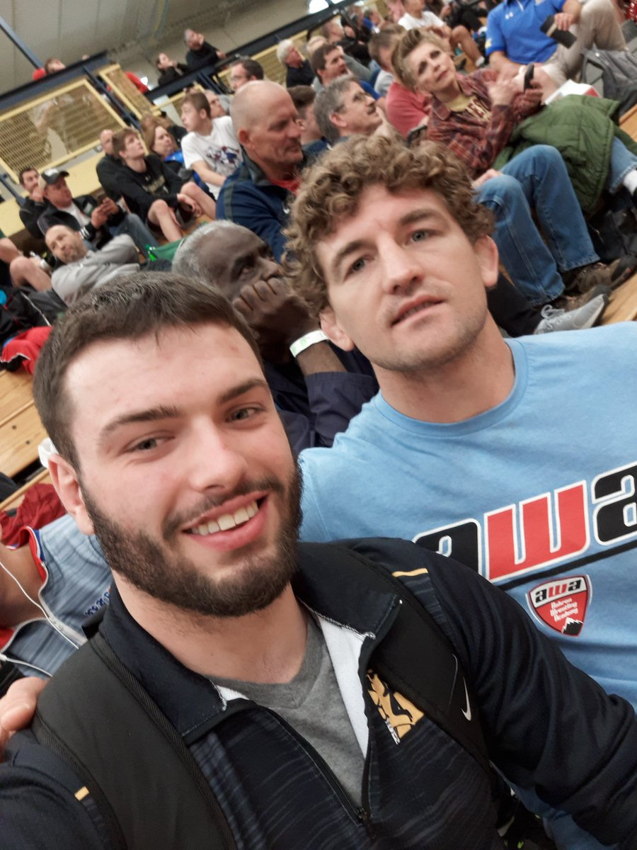 @Benaskren is a man of the people! I watched him take probably 100 pictures today! This guy spends his weekends coaching kids in small gyms all across the country! Great guy and fun to watch coach. More guys need to be like him. #ManofthePeople #Funky