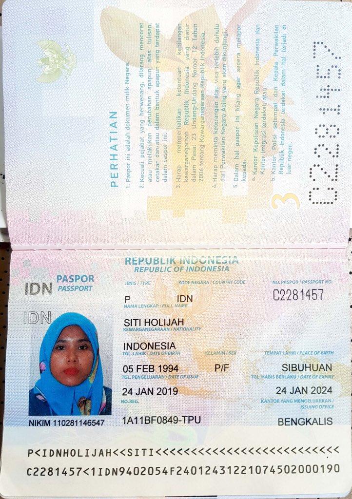 This is her passport. HATI-HATI GUYS KALAU JUMPA AREA SETAPAK/GOMBAK/WANGSA MAJU.