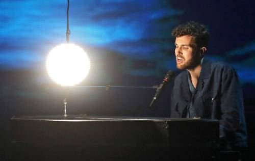 test Twitter Media - Koningspaar trots op Duncan Laurence. #weekend #DuncanLaurence #EurovisionSongContest https://t.co/2Vhq0szCok… https://t.co/v1gmZR3PAk