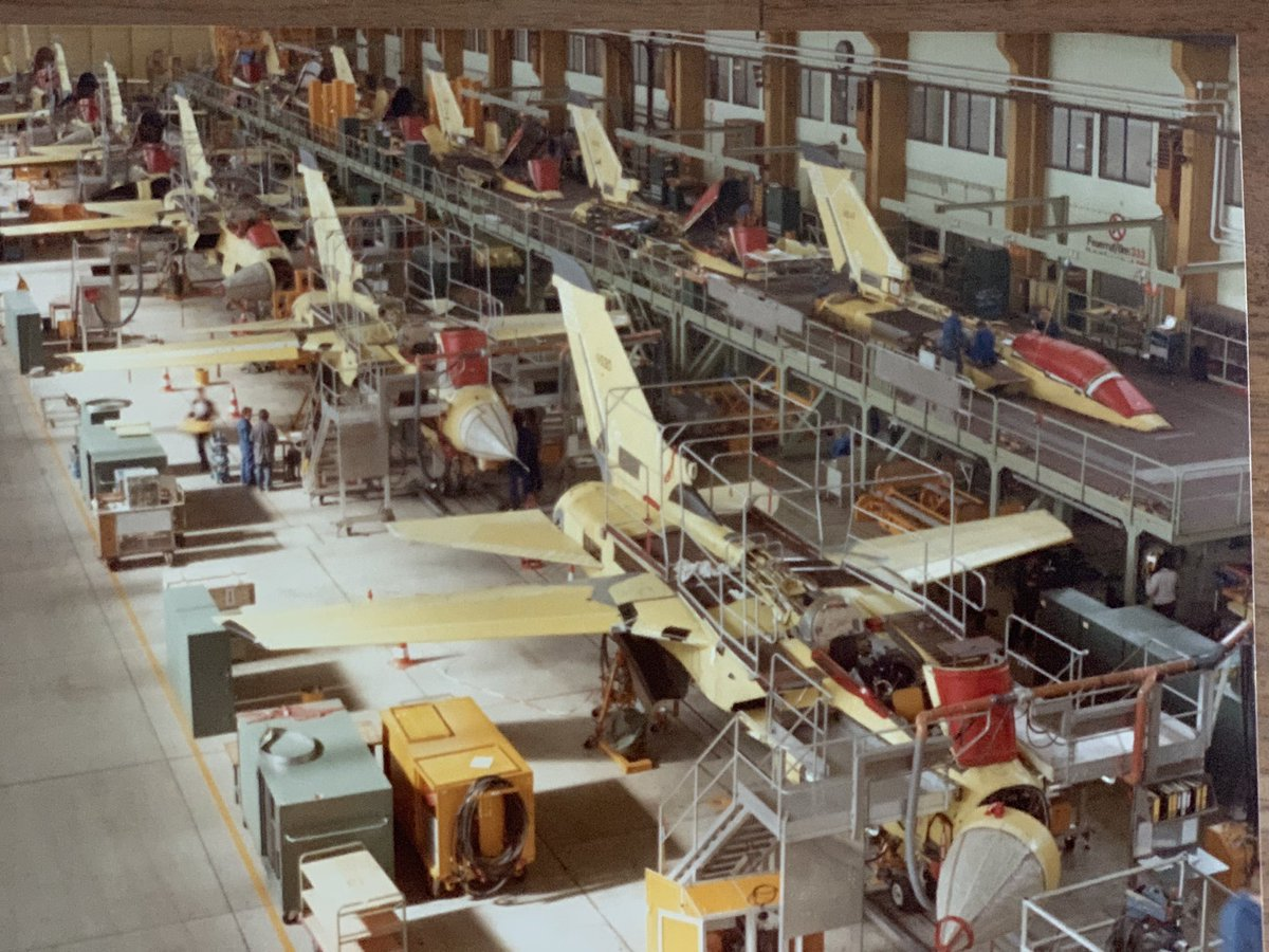 #Airbus50 is also the success story of the Panavia Tornado fighter jet programme. 1st flight 45 yrs ago at Manching. Nearly 1000 units were delivered by @AirbusDefence @BAESystemsAir @LDO_Aircraft. Here's the production line in full swing at Manching🇩🇪 in the 1980s. #WeMakeitFly