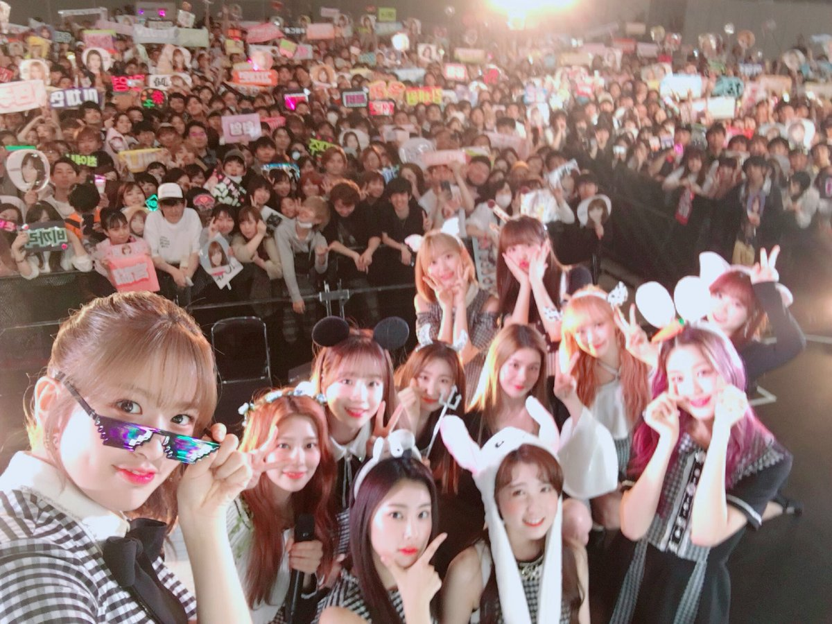 [#KCON2019JAPAN] #IZONE #SF9 #PENTAGON #ONEUS #はいcheese #KCONMnG Selfie with fans♥ @official_izone @SF9official @CUBE_PTG @official_ONEUS ファンの皆さんと一緒に!はい、Cheese📸✌️! #LETSKCON #KCONJAPAN #KCON
