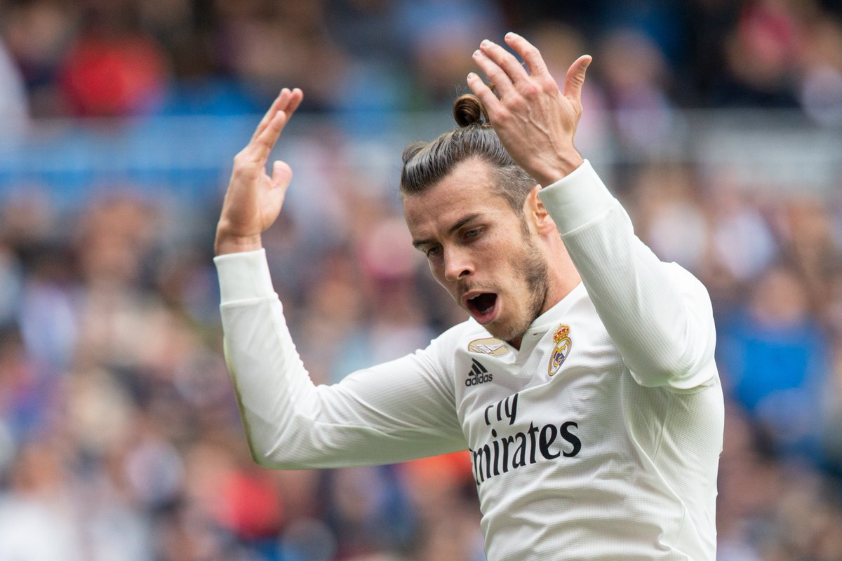 """👤 According to @Radioestadio Gareth Bale just said this:  🗣 """"I've got three years contract left. If they want me to go they'll have to pay me €17m a year. Otherwise I'll stay. Doesn't matter if I don't play, I'll just play golf."""""""