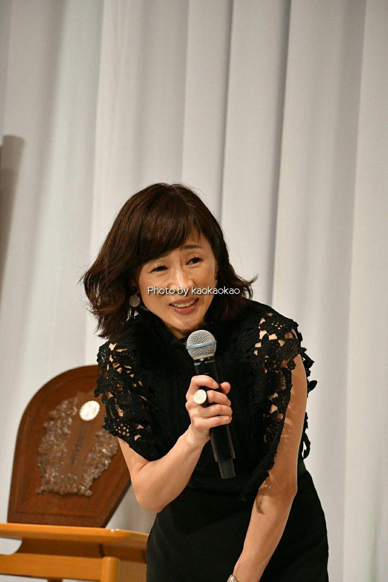 ジョッキーのトークショーの司会を務めた細江純子さん。 色白っ! ウエスト細っ! お話し上手! 何度も細江さんの振った話題で笑わせていただきました。 子育てとの両立は生易しいことじゃないでしょうけど、活躍を祈ってますよ!!
