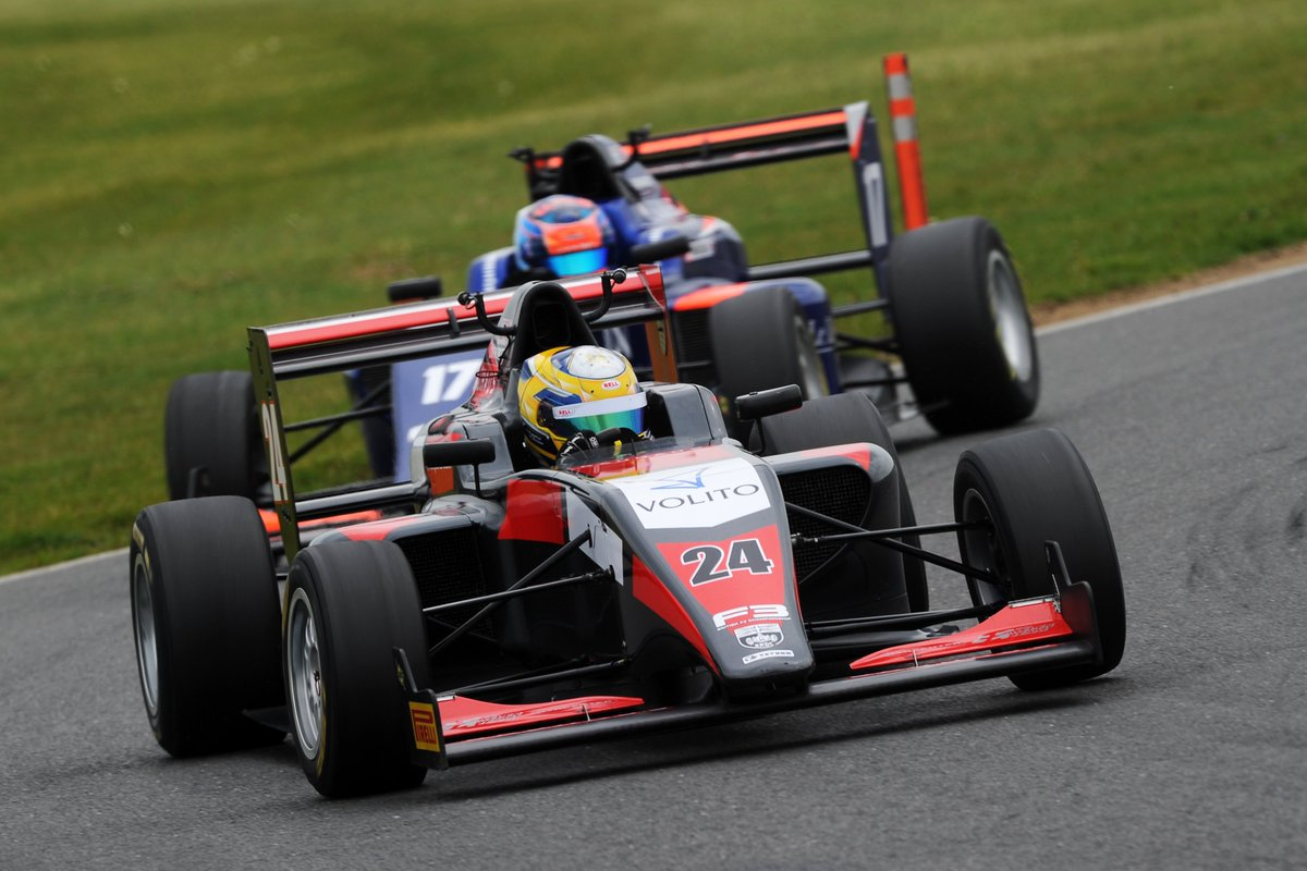 📰NEWS: @EricssonHampus takes maiden @BRDCBritishF3 win in eventful race three at @SnettertonMSV! Full news: britishf3.com/british-f3-new… 📸@JakobEbrey