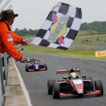 📰NEWS:  @EricssonHampus takes maiden @BRDCBritishF3 win in eventful race three at @SnettertonMSV!   Full news: https://t.co/xRiVpXREI6  📸@JakobEbrey