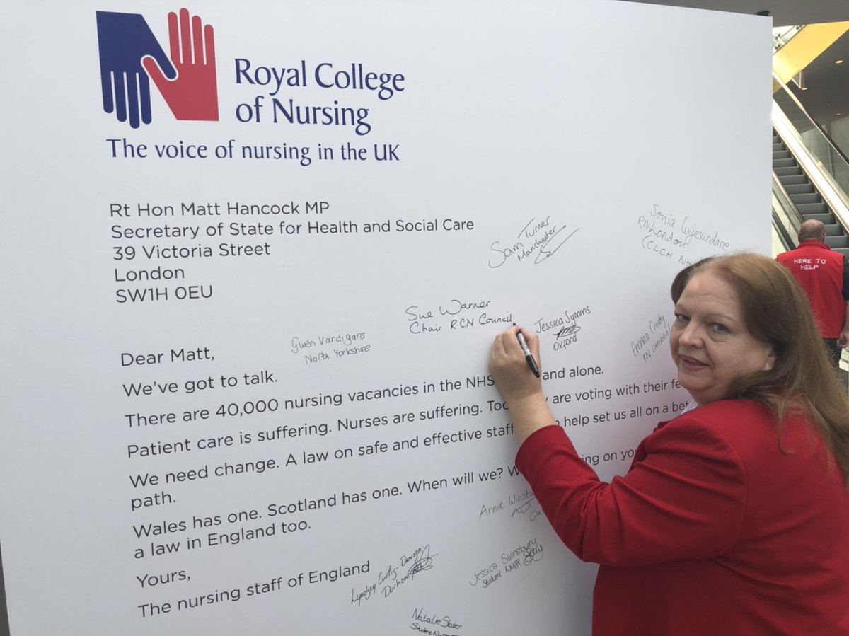 Sue Warner, RCN Chair of Council, signs the letter to @MattHancock. If you're at Congress this week, sign it too #dearmatt #RCN19