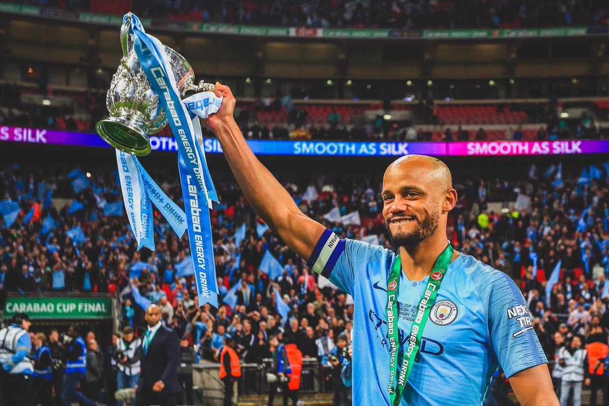 Vincent Kompany signs a 3 year deal with RSC Anderlecht as player/manager. [@HLNinEngeland]