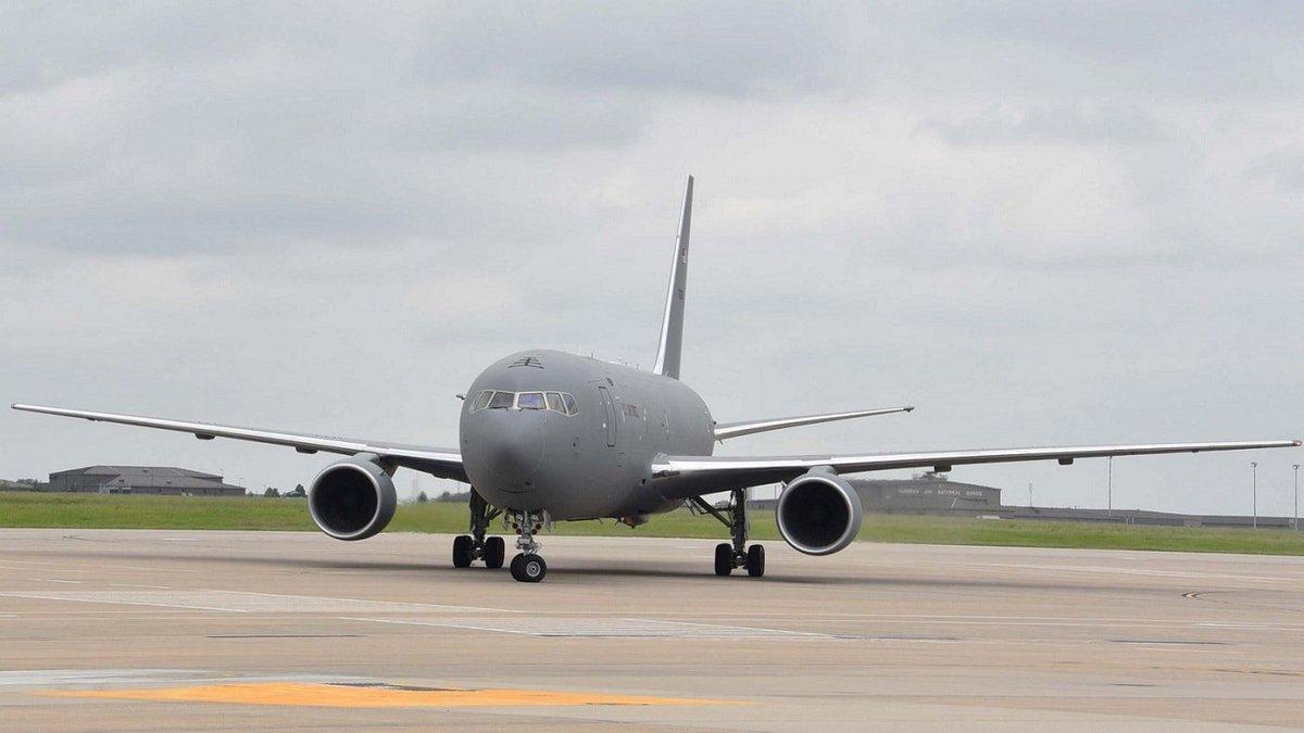 """Boeing تنهي الإختبارات على """"طائرة الصهريج الأولى KC-46 Pegasus"""" لسلاح الجو الأمريكي. D67Gj1nXoAAjnzW"""