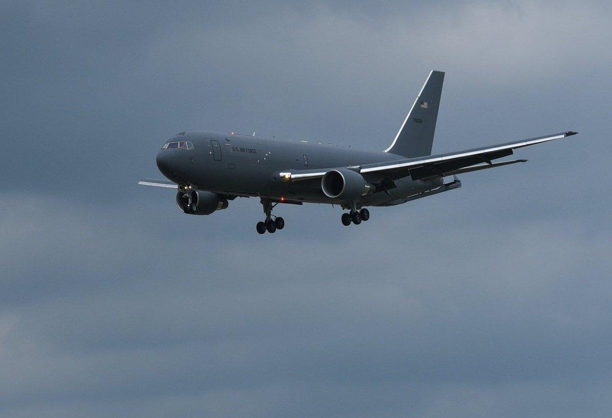 """Boeing تنهي الإختبارات على """"طائرة الصهريج الأولى KC-46 Pegasus"""" لسلاح الجو الأمريكي. D67Gj1rWkAAZab1"""