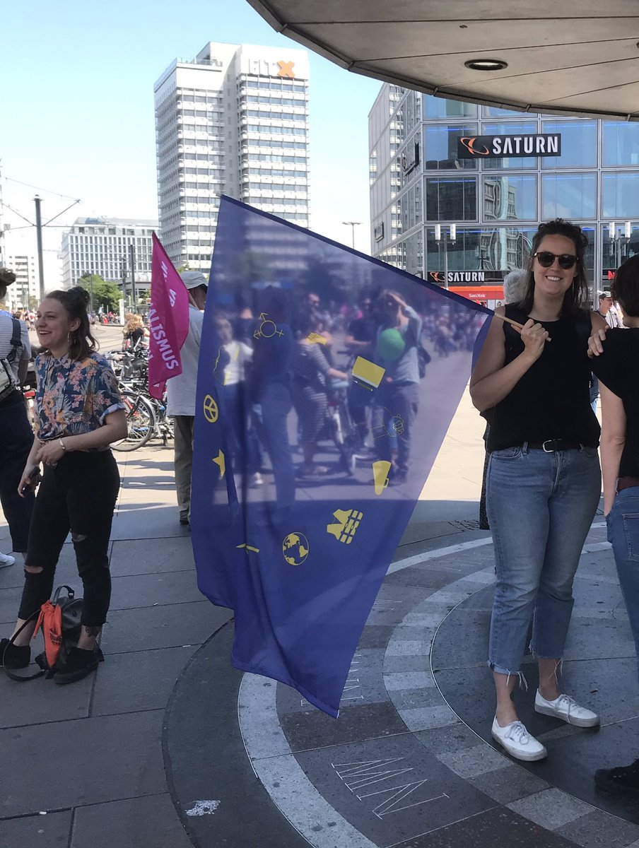 Happy and united for all the good things on that flag: equal rights for all, #ClimateAction, feminism, global solidarity and #peace. Together we stand up for the #EuropeWeWant today and at #EUelections2019. Together we say #NoToHate and #YesToChange. In #Berlin & all over #Europe