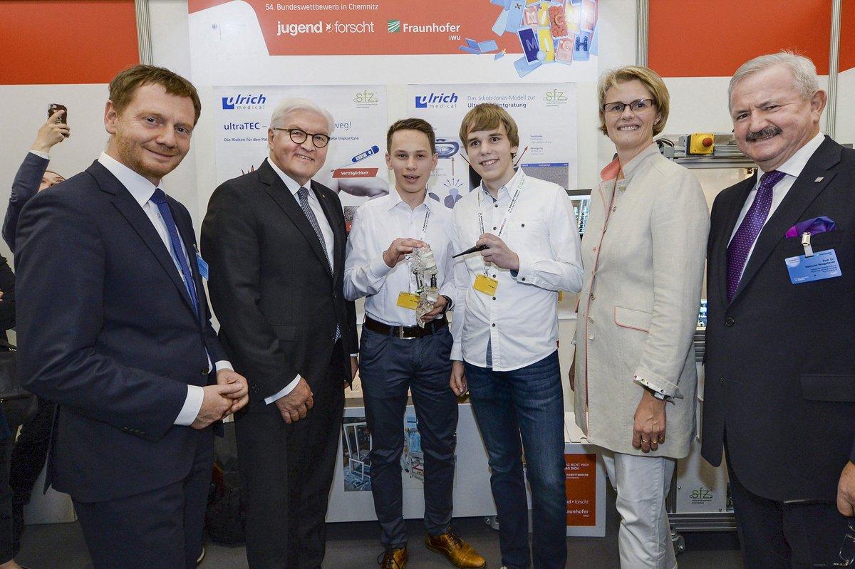 Stolz auf die jungen Preisträgerinnen und Preisträger aus #NRW! 🥳