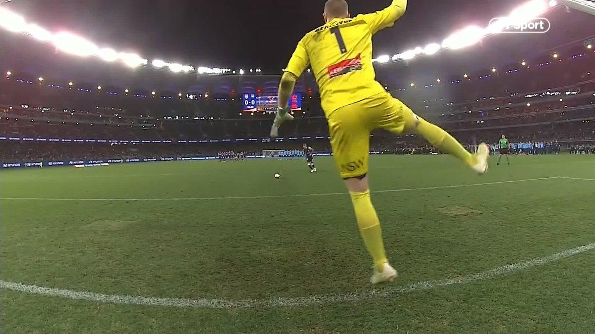 Unbelievable from Sydney FC goalkeeper Andrew Redmayne as he helps them win the Australian A-League grand final on penalties! 🕺🤣