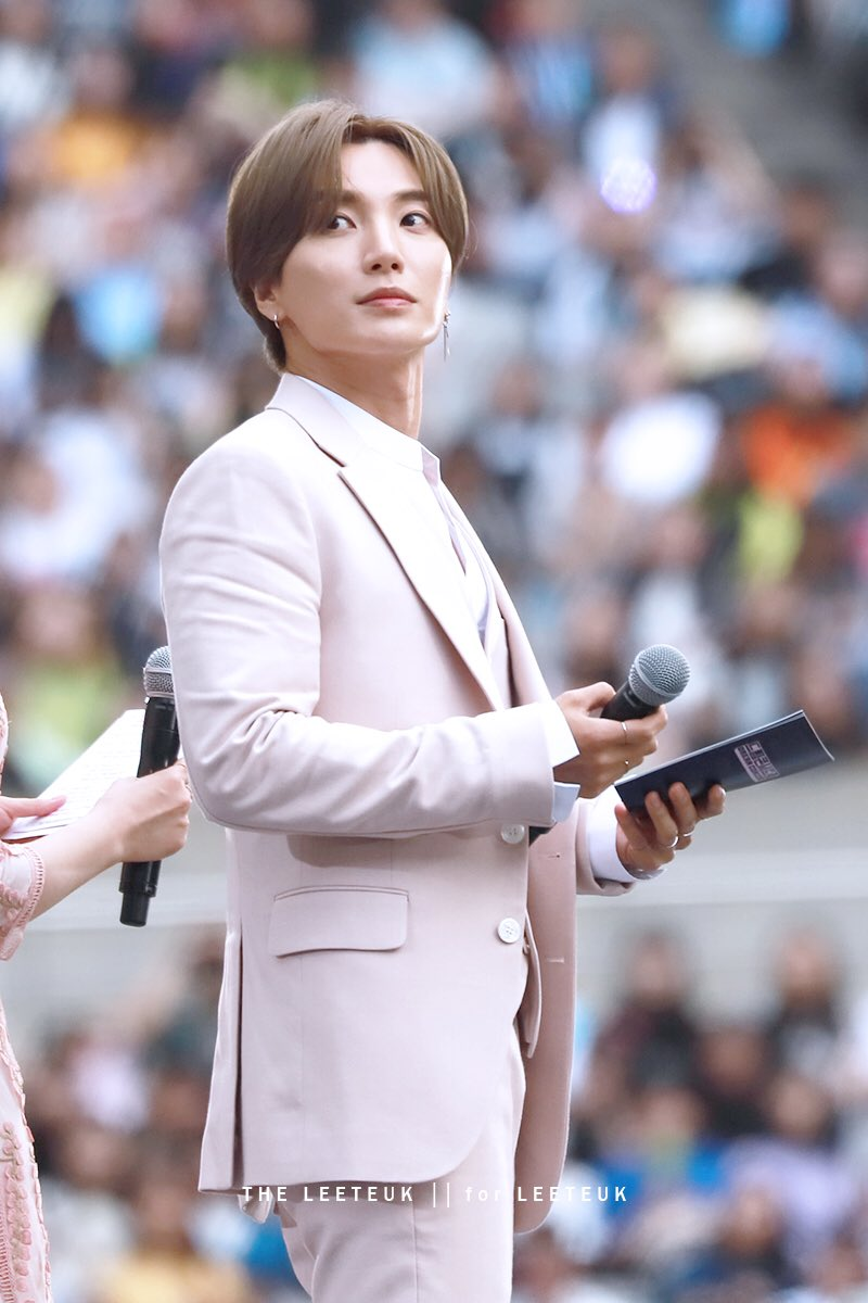 [HQ] 190518 DREAM CONCERT  남자는 역시 핑크💗  #이특 #박정수 #LEETEUK #슈퍼주니어 #SUPERJUNIOR #SJ #더이특 #THELEETEUK  @special1004 @SJofficial https://t.co/h6FIpOUMHq