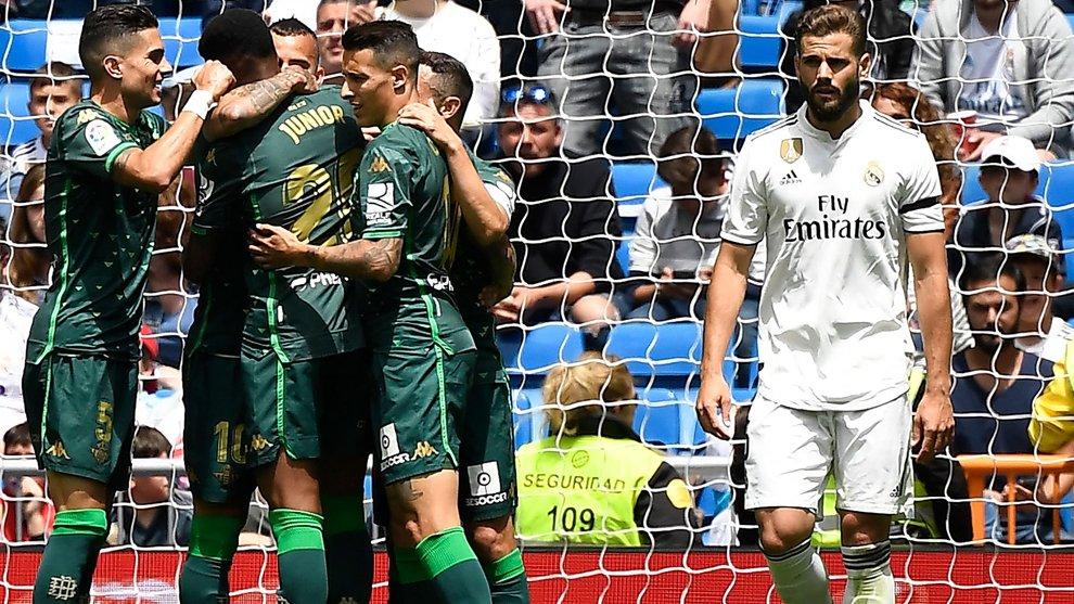 أهداف خسارة ريال مدريد أمام ريال بتيس في الدوري الإسباني