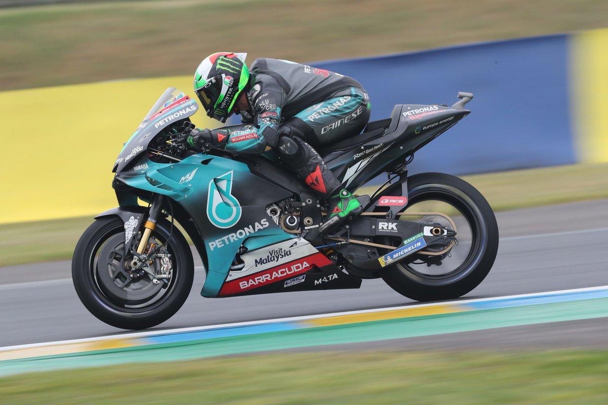 10 laps to go!  Both #teamPETRONAS riders in top 10 positions 🙌  P7 - @FrankyMorbido12  P10 - @FabioQ20   #FrenchGP #teamPETRONAS #PETRONASmotorsports #MotoGP
