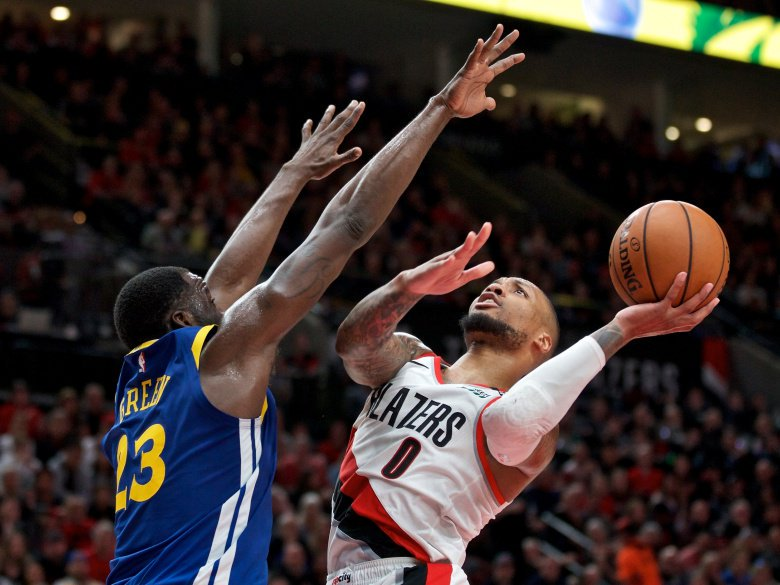 Damian Lillard reportedly playing with separated ribs #NBAPlayoffs bit.ly/2QdUTvH
