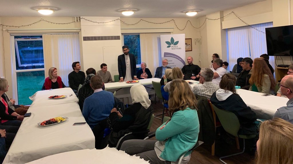 Great to see people of #faiths & none come together for #Ramadan #iftar, hosted by @PeaceMatters786   Thank you for all the speakers, in particular local MP @alexsobel, Cllr @FionaVenner & @allhallowsvicar   #MoreInCommon #WeStandTogether #BigIftar #MosqueIftar
