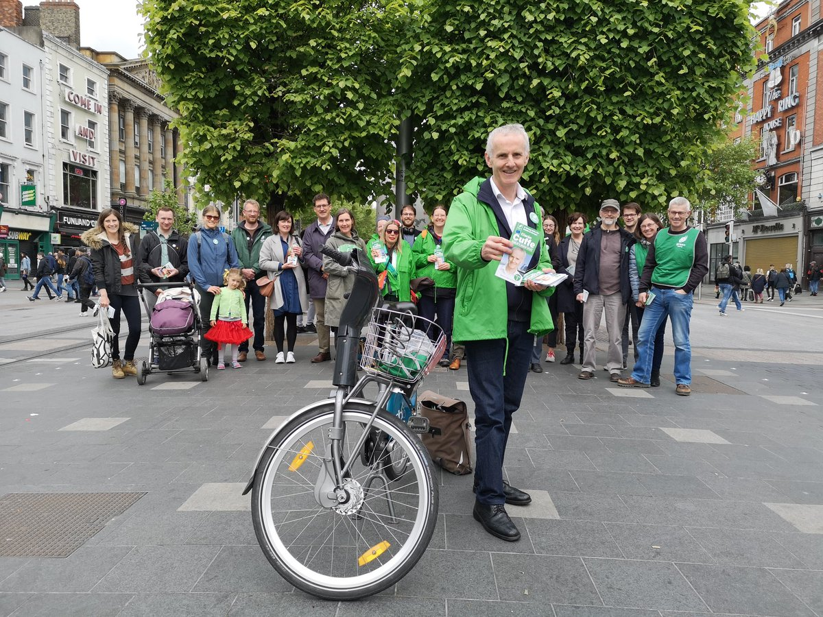 Dubliners are getting ready for that #GreenWave! Were out with Dublin #EP2019 candidate @CiaranCuffe today meeting voters and hearing what they want from their next MEPs. Dublin needs a new Green voice in Europe - next Friday, lets do just that! #WantGreenVoteGreen