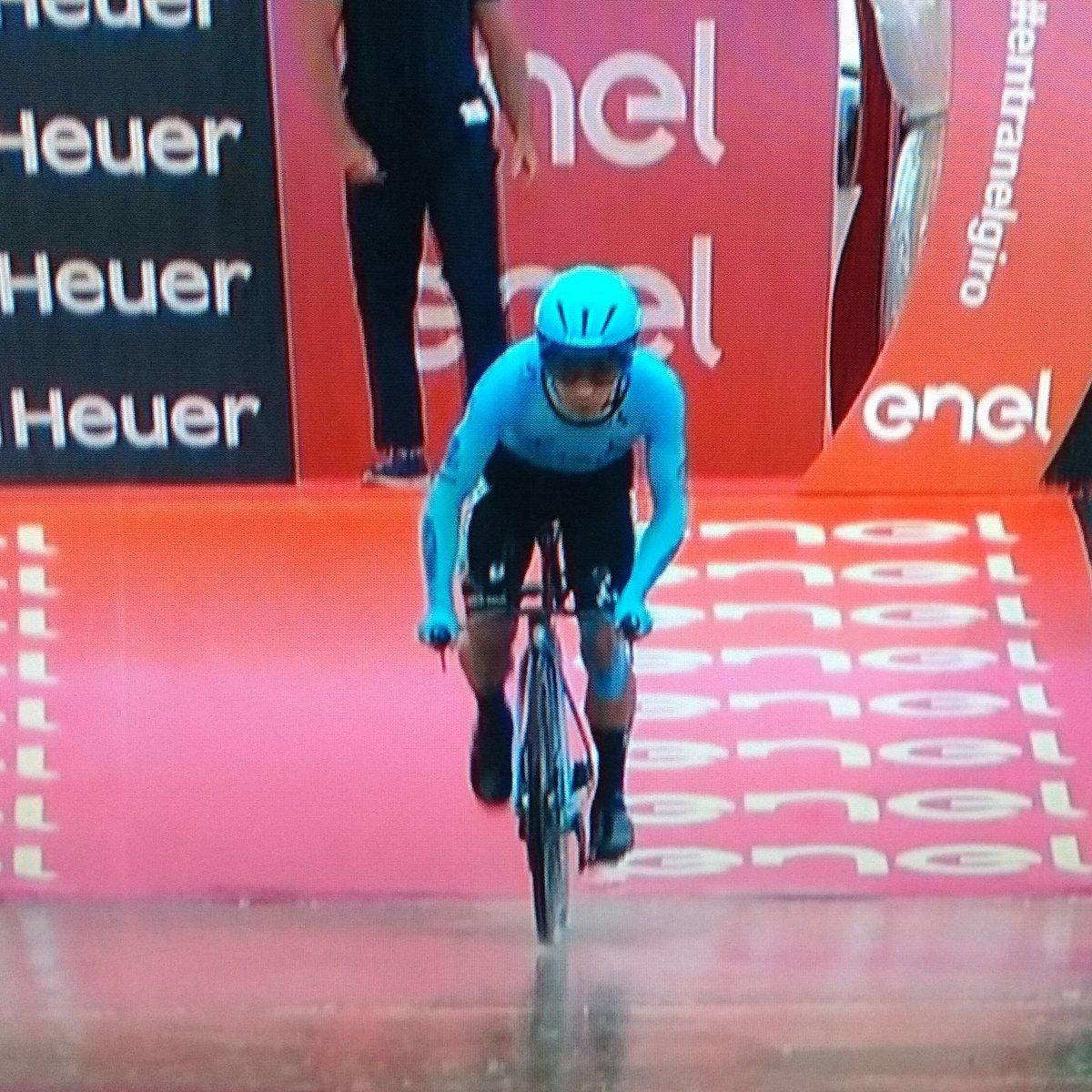 Fuerza Supermán López! #VamosEscarabajos #Giro2019