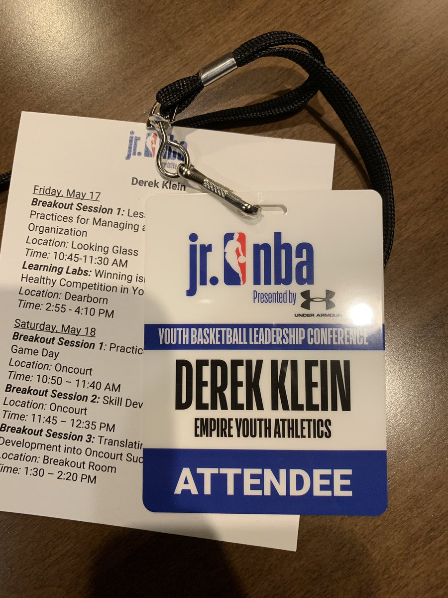 Amazing event ran by the @jrnba in Chicago this weekend. Extremely grateful that I was able to attend on behalf of @EmpireYouthAthl and spread our brand on a national platform. #EmpireYouthAthletics #EYA #jrnbauaconference #JrNBA #EYAhoops