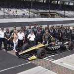 The classic brickyard photo after our qualifying run yesterday. Big thanks to all of these guys! Very proud to be part of team @ArrowGlobal @SPMIndyCar @HondaRacing_HPD nr7 #ME7 #Indy500