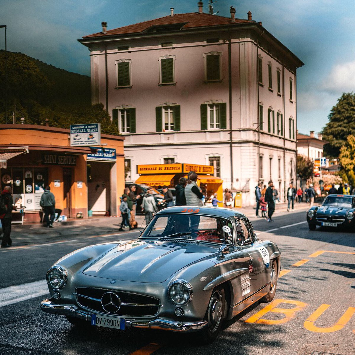 After an incredible 4 days of adventure, emotions and Italian lifestyle, the 2019 Mille Miglia comes to an end. The 8 Mercedes 300 SL finished the rally and all drivers go home with memories that will last a lifetime. Grazie & see you next year! 🙌 #MBmille #MBclassic @MB_Museum