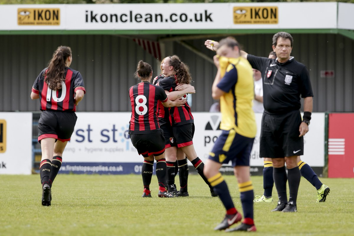 🔥🔥🔥 A fine strike to open the scoring from Emma Davis! 💥 All nine goals from todays cup final 👉 bit.ly/women-cup-win #afcb 🍒