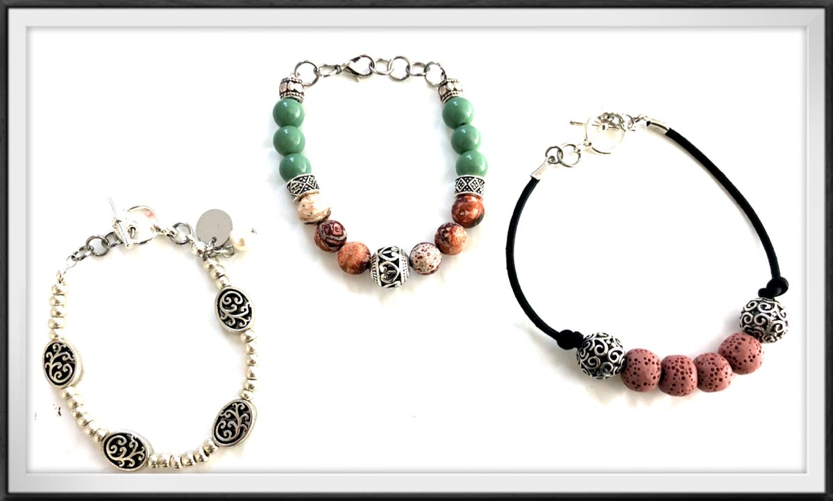 #SundayMorning made some new bracelets and earrings for my #etsyjewelry store. Will be doing more product photos and have new listings soon  #jewelrydesign<br>http://pic.twitter.com/ENH9tsiyI0