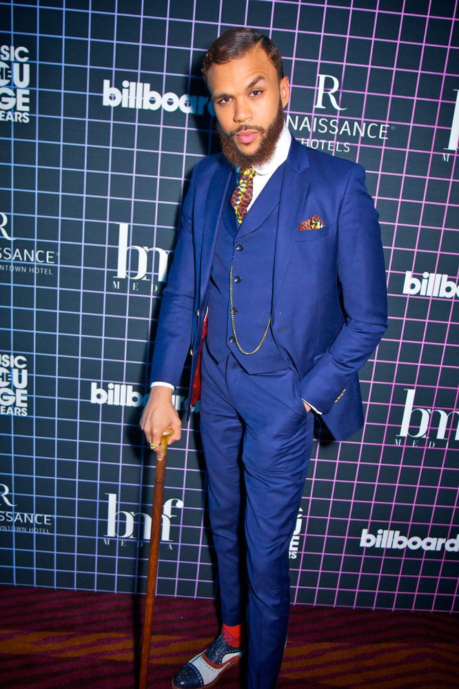 Folks, I need a hand on this fine Toronto morning before I head back to Alberta, would anyone know where I could find a classic walking stick that pairs with suits like Jidenna rocks?