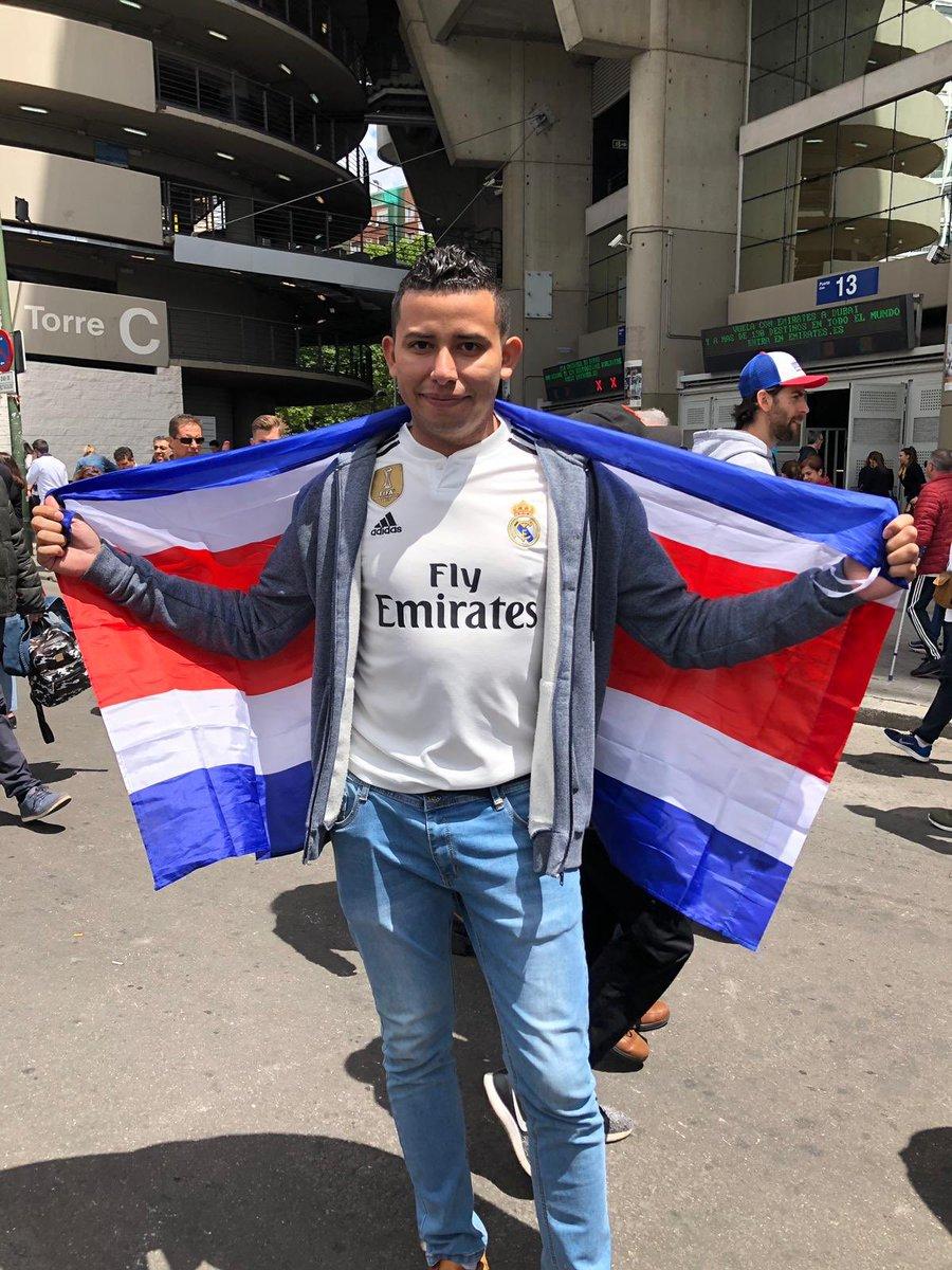 Muchos ticos estuvieron presentes en lo que pudo ser el último partido de Keylor Navas con el Real Madrid.  📸: @gabyduran18