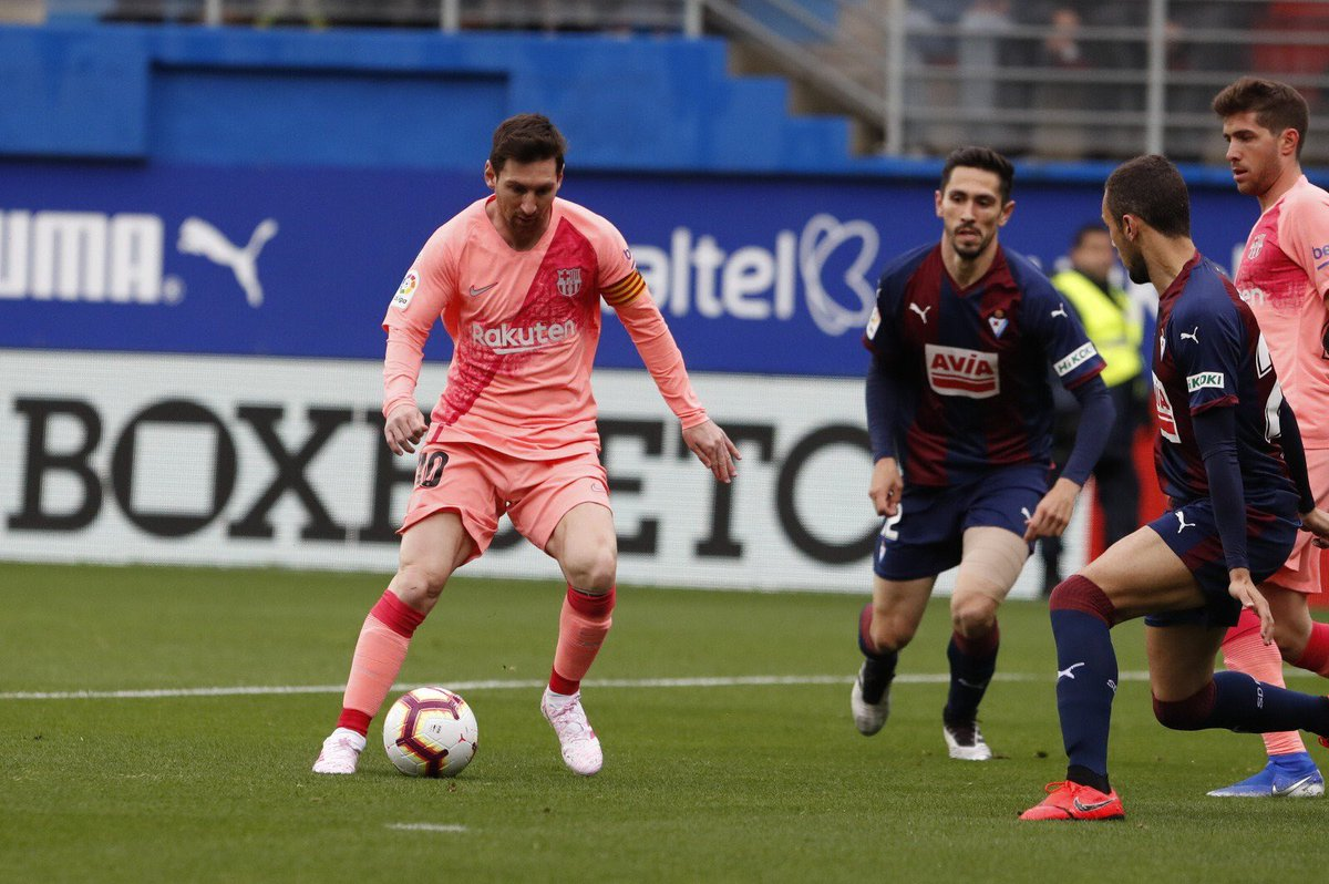 So just like that, Messi just scored his 50th (FIFTY) goal of the season in all competitions, and 36th in the league, and is now 4 goals clear on top of the golden boot race, second is Mbappe, who still has one game in hand!