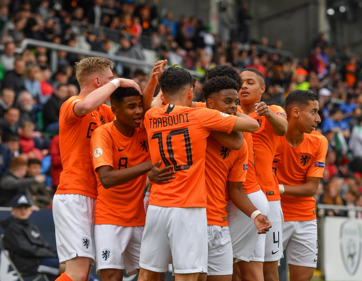 HALF-TIME: The Netherlands lead Italy 3-0 after Ian Maatsen scored just before half-time - looks like @OnsOranje after heading for victory against @azzurri for the second #U17EURO final running! http://bit.ly/2HqEZvf
