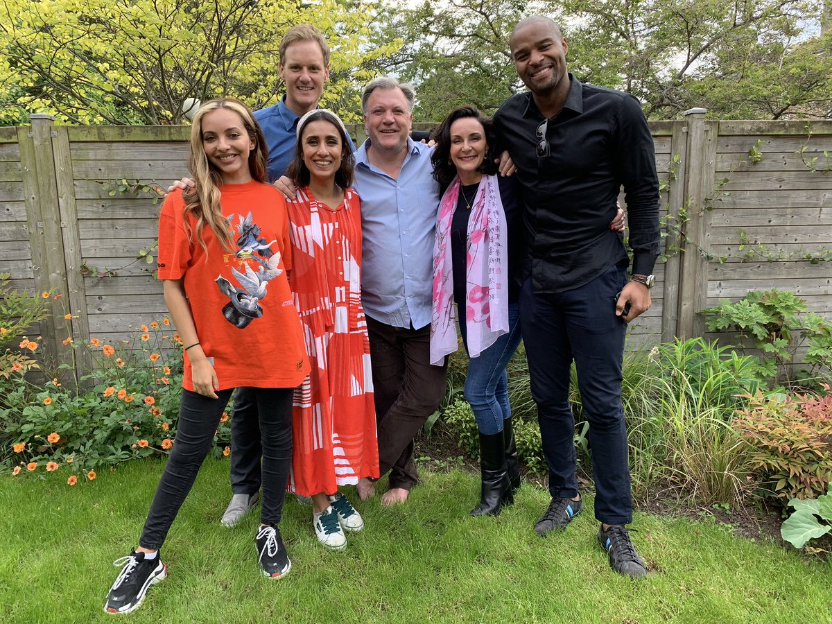 What a lovely #Kilimanjaro reunion🏔  @edballs (and family) were hosts & cooked a killer roast 😋 Sadly Leigh-Anne @Dani_MasDyer & @XanderArmstrong couldn't make it but wonderful to see everyone again at normal altitude again