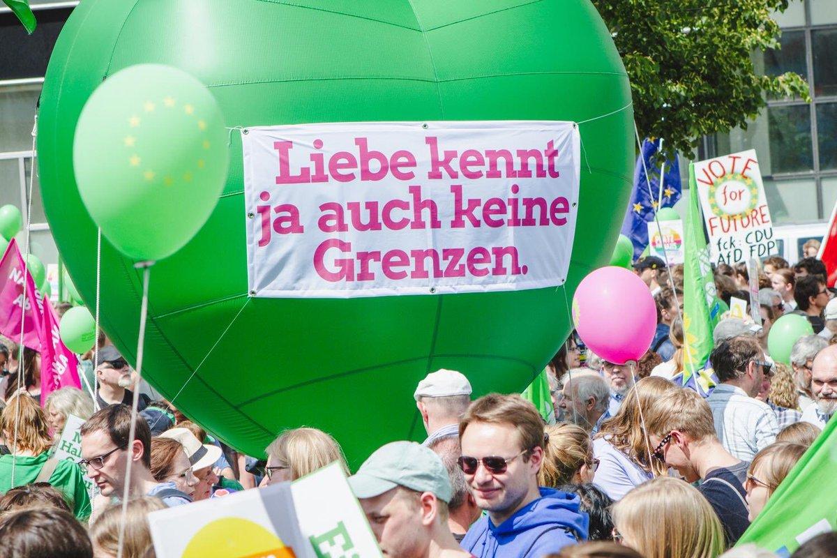 #1EuropaFuerAlle denn Liebe kennt keine Grenzen. (Und das #Klima auch nicht). #gehwählen #EuropeanElection2019