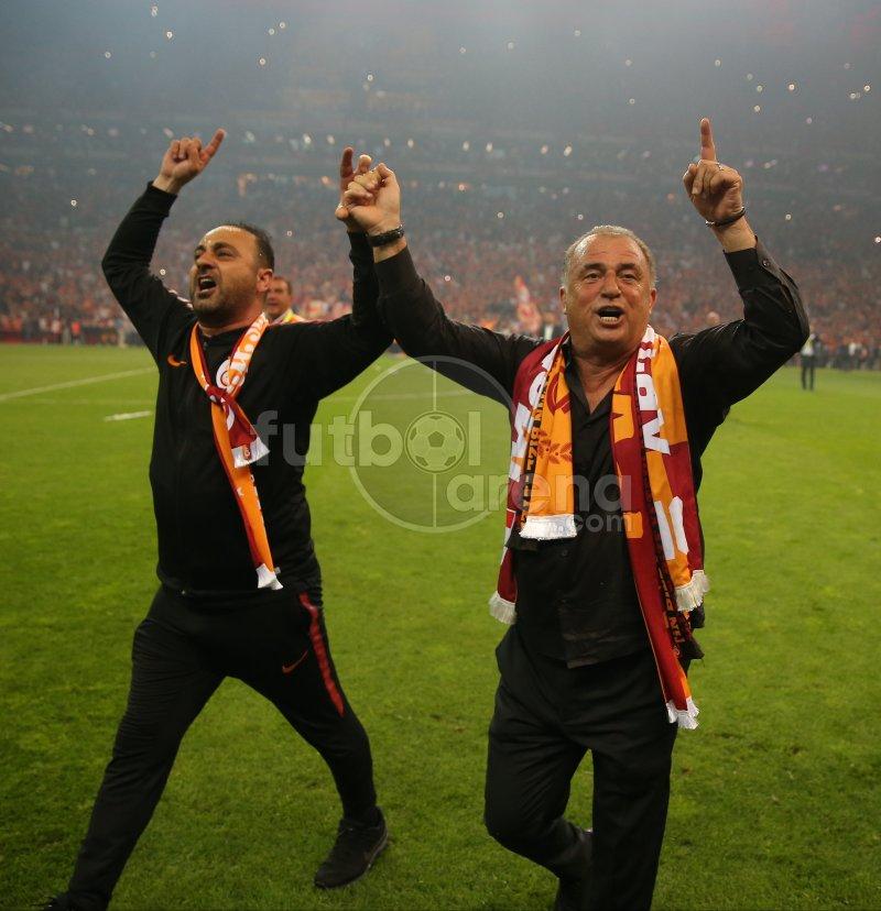 🗣 Fatih Terim & Hasan Şaş  📸 #FutbolArenaTTStadında https://t.co/9QcNRCLNMU