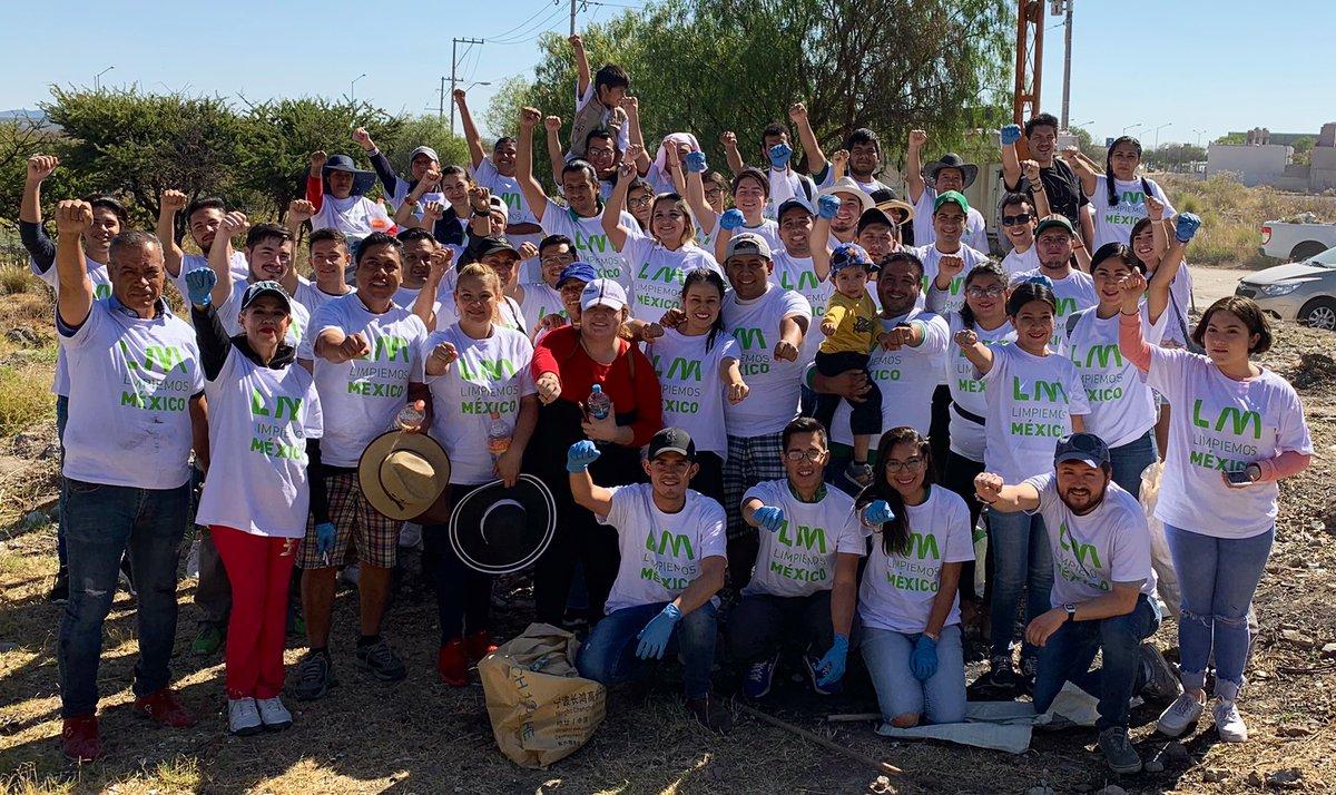 En #KybernusGto el compromiso por el 🌎 🌳🌱🍓🐿🐢🐝🦅🐺🦁es de todos💪🏽 ♻ #LimpiemosMéxico ♻  #VecinoKybernus #HéroesXElPlaneta #TuLiderazgoImporta @Kybernus