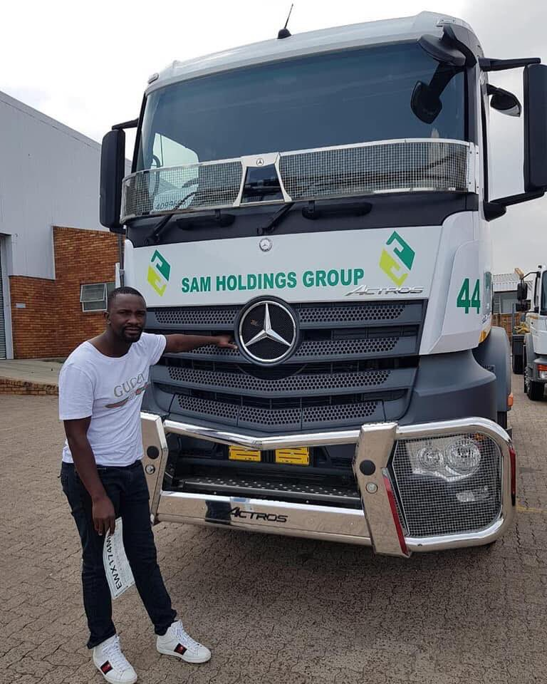 Meet Sam mshengu he started out as a front end loader operator in mpumalanga, founded Sam holding group which has over 50 trucks   today Sam holdings Group suppliers coal to Eskom ,from their own plant using their own fleet<br>http://pic.twitter.com/GTjTmhaJuc