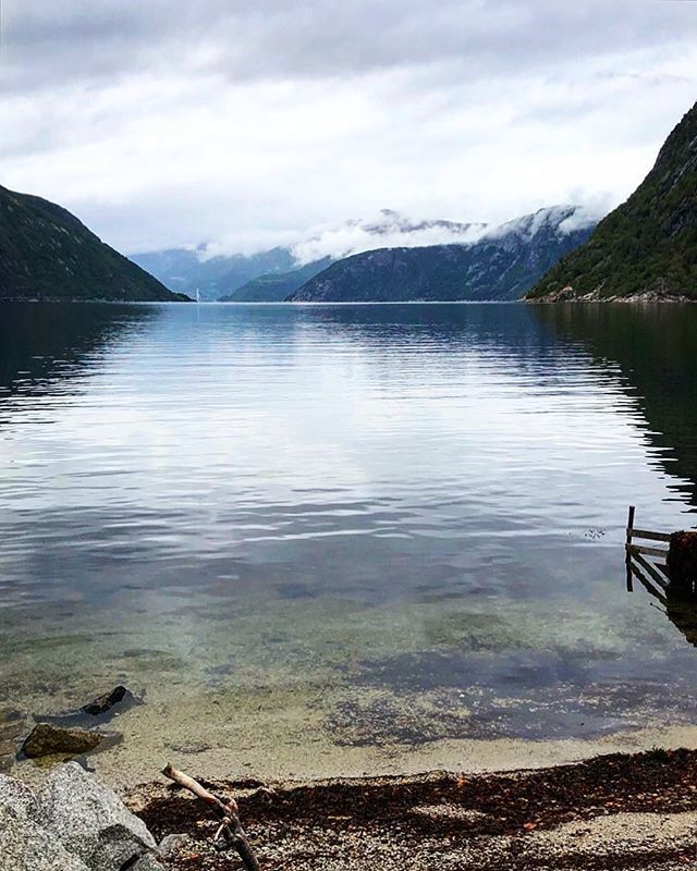 E I D F J O R D, NORWAY • #Throwback #AIDAsolMomente #reisen #wellen #norway #norwegen #fjord #cruise #cruiseship #aidacruises #love #liebe #hobby #urlaub #travel #travelblog #travelblogger #followmearound #auszeit #aussicht #kreuzfahrtverbindet #… http://bit.ly/2JrYFRVpic.twitter.com/ccAG3ZrRim